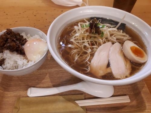 平子煮干スープの葱そば+肉味噌のせ温卵ごはん