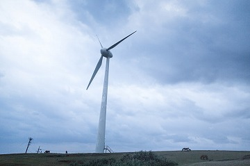 曇り空の風力発電