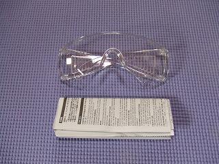 付属の防護メガネ