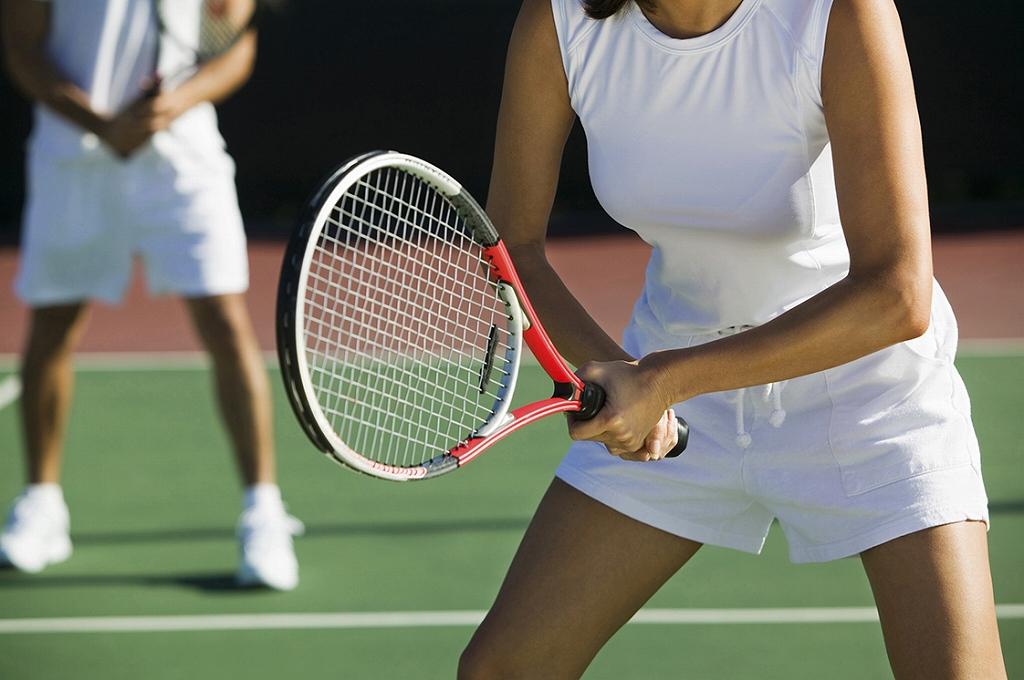社会人から始める趣味のテニス!お金はどれくらいかかるの?