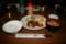 槍岳山荘の夕食。チキンがうまかった。
