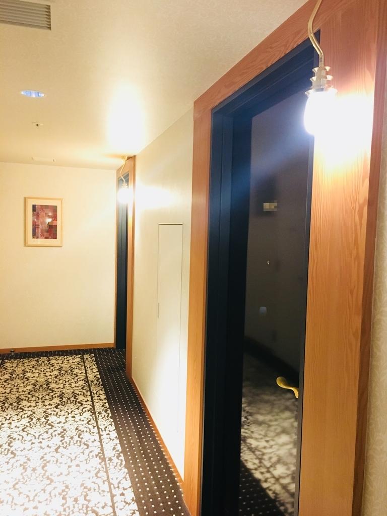 JR九州ブラッサム大分の部屋の入口の様子