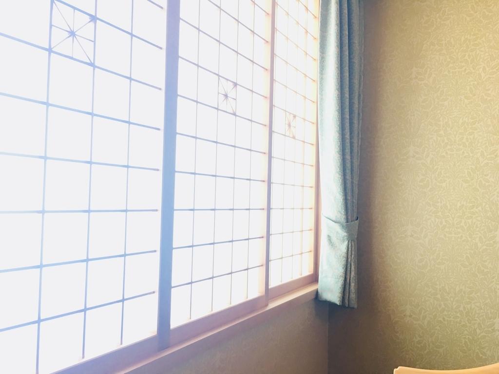JR九州ブラッサム大分に差し込む気持ちいい朝日の写真