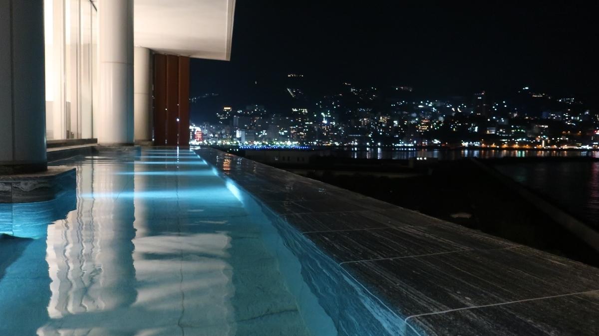 Fuuaの露天風呂からの夜景