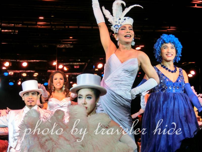 バンコクのアジアティークにあるカリプソのニューハーフショー