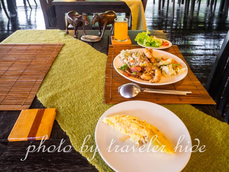 プーナーカムリゾート(PhuNaCome Resort)のビュッフェ式の朝食