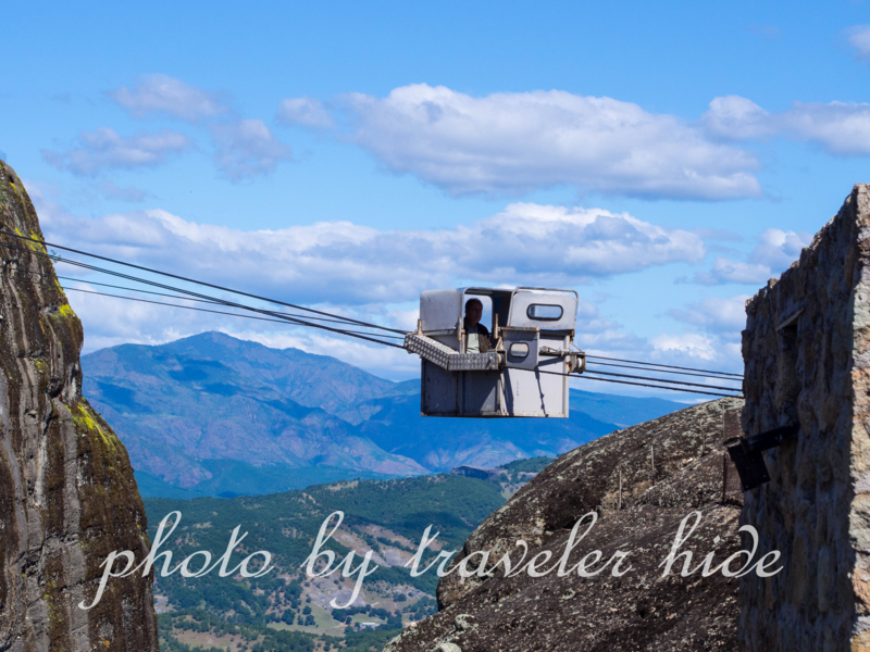 メテオラのメガオ・メテオロン修道院(Megalo Meteoro)のロープウェイ