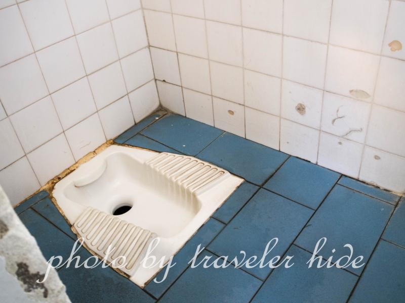 カランバカ駅のトイレ