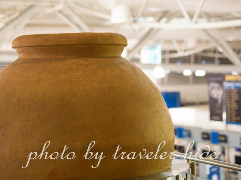 アテネ国際空港に展示されているオブジェ