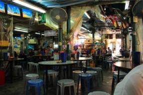 男人街あたりの食堂