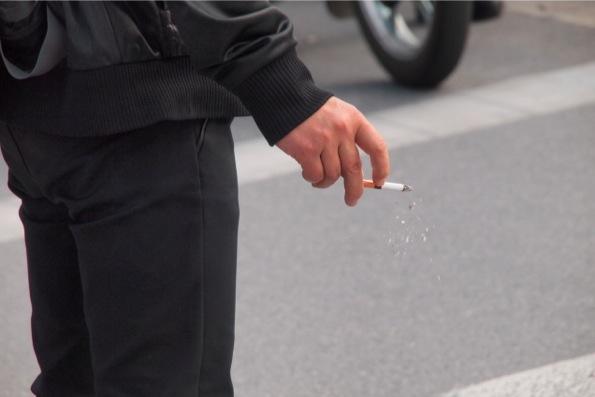 あちこちで見かける喫煙者