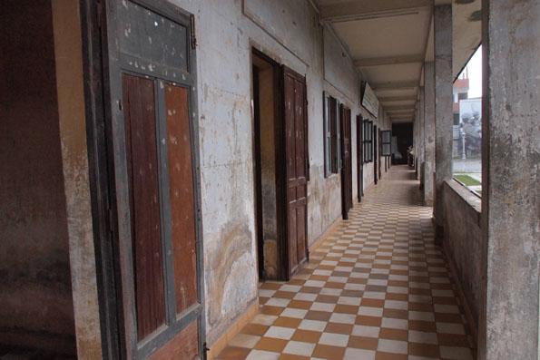 トゥールスレン虐殺博物館S21