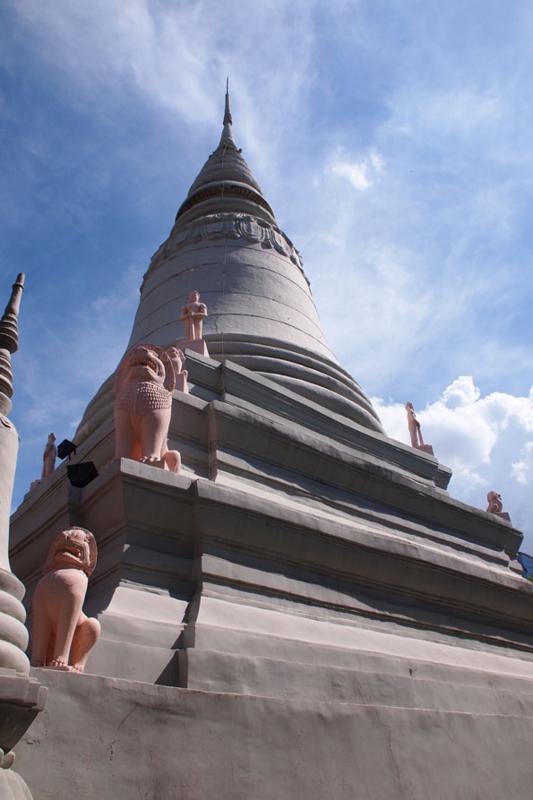 ワット プノン Wat Phnom