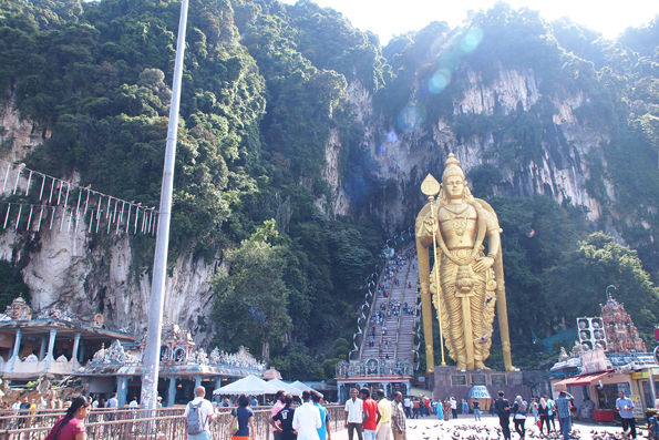 世界一高い黄金のムルガン像