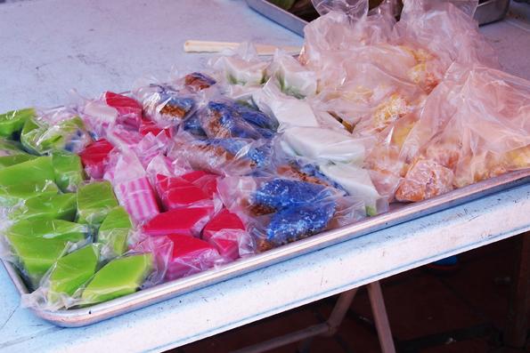 マラッカのカラフルなお菓子
