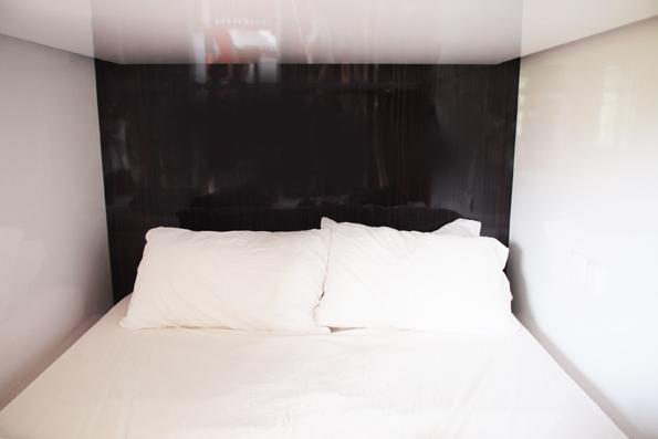 シンガポールの二人部屋カプセルホテル