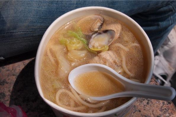 シーフードスープ麺