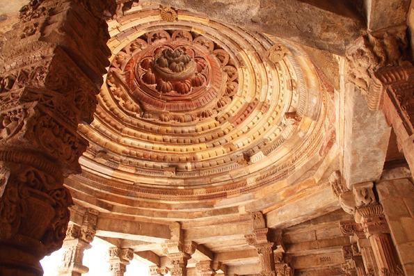 世界遺産「クトゥブ・ミナール(Qutb Minar)」