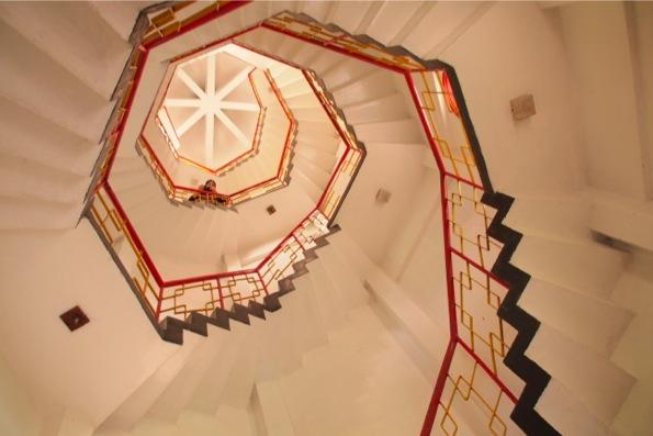 天峯塔の中には螺旋階段