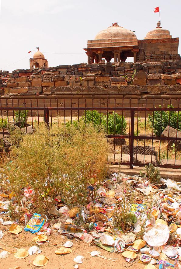チャンドバオリの隣の小さな寺?