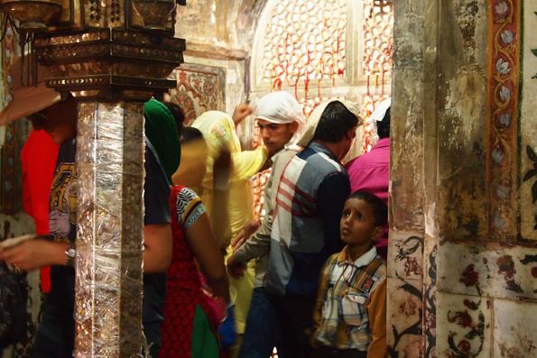 ファテープル・シークリーのモスク地区(ジャマーマスジット)のサリームチシュティー廟