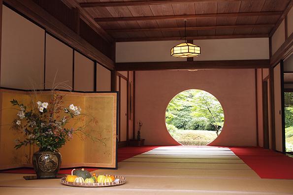 明月院の丸窓(円窓)