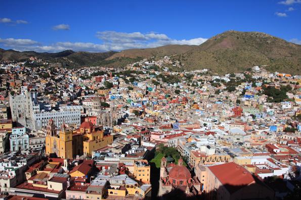 メキシコの世界遺産グアナファトのピピラの丘からみた景色