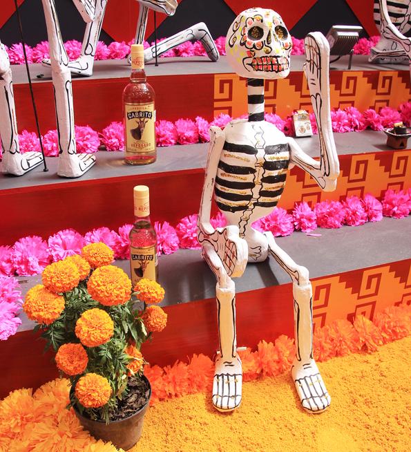死者祭り・メキシコシティのかわいいドクロデコレーション