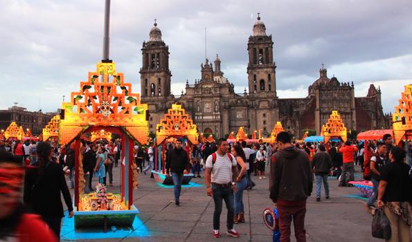死者の日に行ったメキシコシティのソカロ
