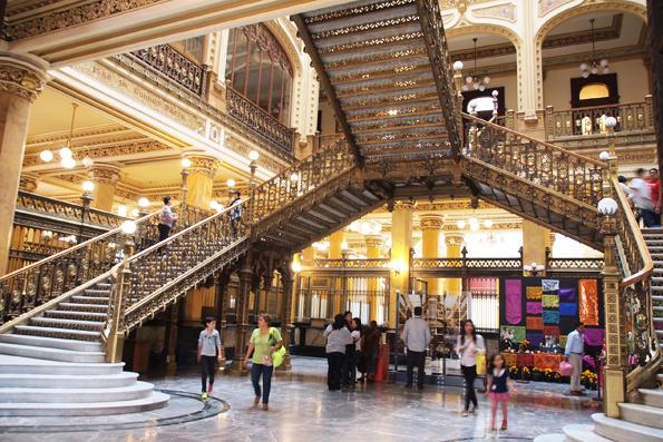メキシコシティ中央郵便局(Palacio Postal)