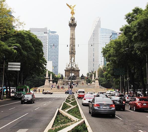 メキシコシティの独立記念塔(Angel of Independence)