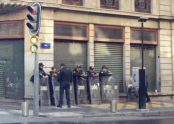 メキシコシティの警察官
