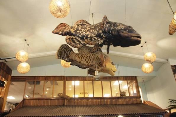 パンタイシーフドレスントラン(Pantai Seafood Restaurant)