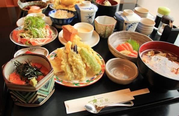穂高食房 味彩館の「信州サーモンづくし御膳」
