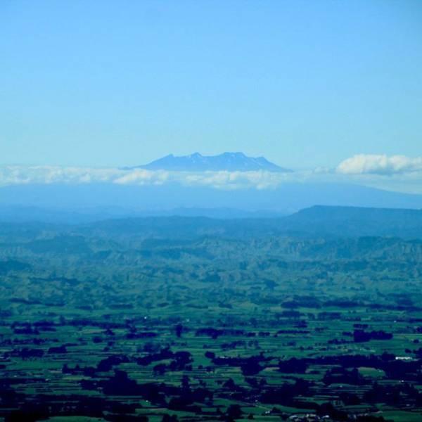 タラナキ山 (Mount Taranaki)