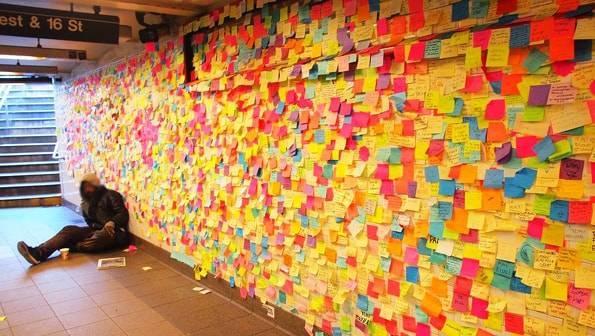 ユニオンスクエア駅に貼られていたポストイット