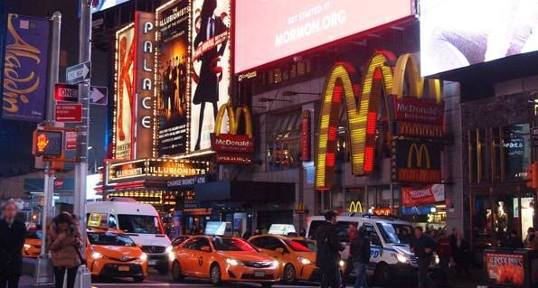 ニューヨーク・マンハッタンのタイムズスクエア