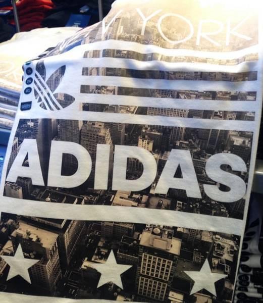 アディダス・ニューヨーク限定Tシャツ