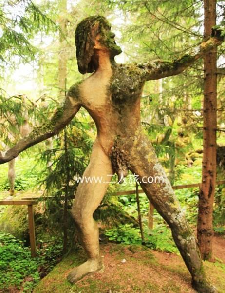 フィンランドの不気味な彫刻公園