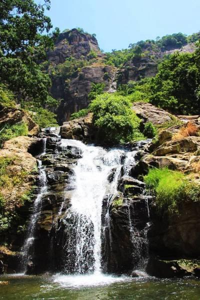 ラヴァナ滝