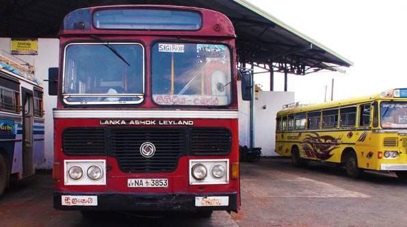 スリランカのバス