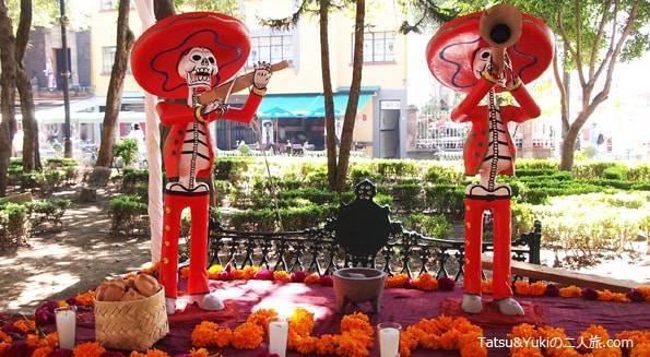 メキシコシティの死者の日(ガイコツ)