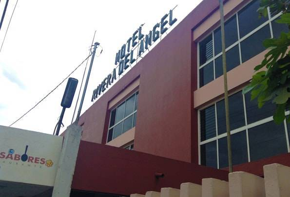 オアハカからモンテアルバン行きのシャトルバス(Hotel Rivera del Ángel)