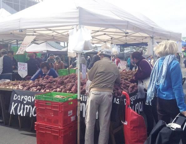 オークランドのアボンデール・サンデーマーケット (Avondale Sunday Market)