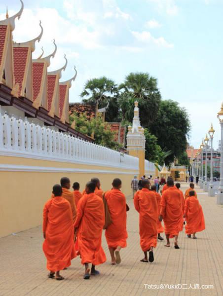 カンボジアのモンク