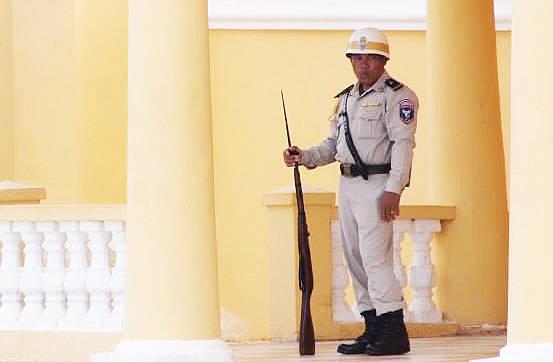 シルバーパゴダ(Silver Pagoda)・カンボジア王宮(The Royal Palace)の外