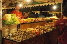 カンボジア・プノンペンのナイトマーケット