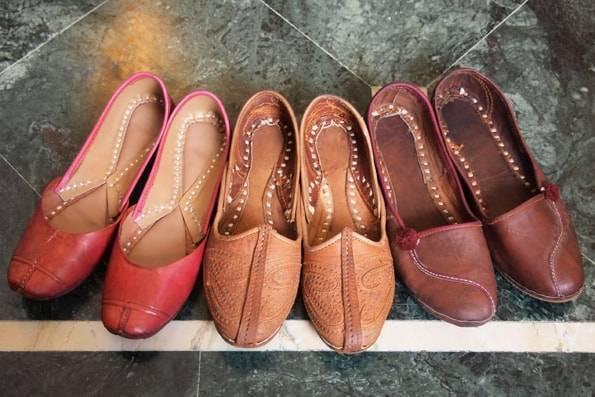 インド・ジャイプールの靴屋さんで買ったフラットシューズ