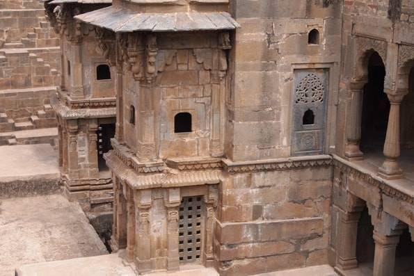 階段井戸・チャンドバオリ(Chand Baori)