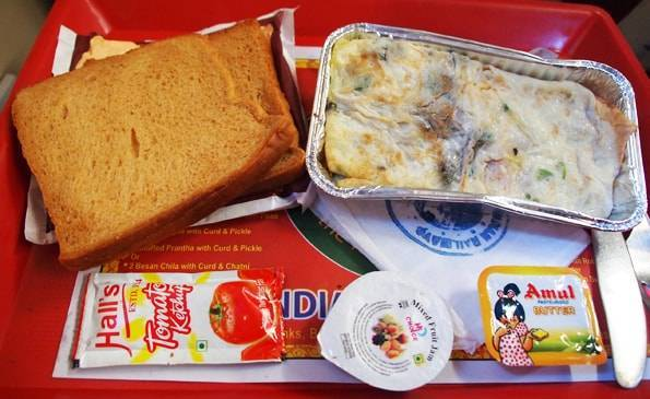 インドの電車ででた食事